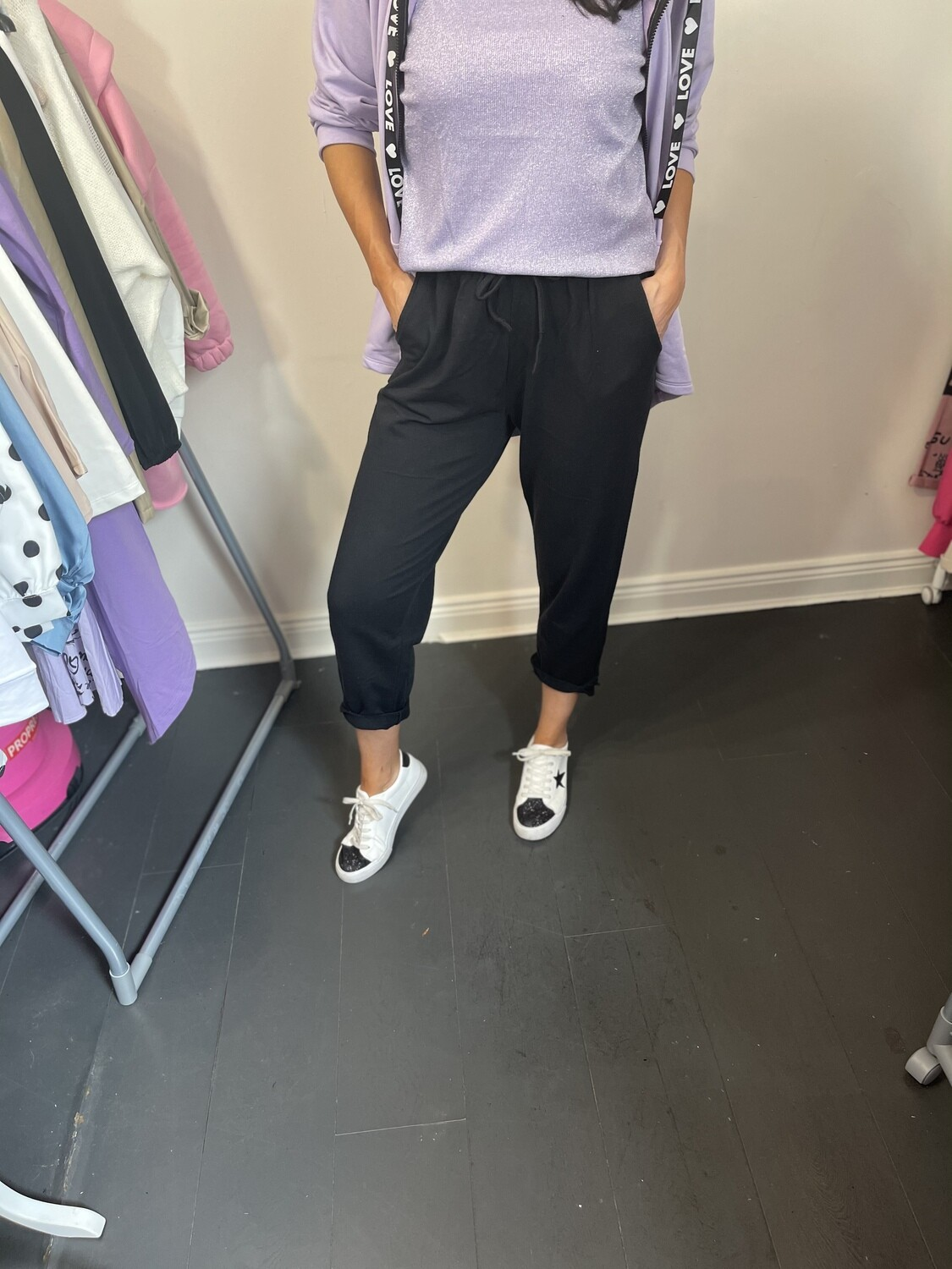 'Easy Casual' Cropped Jogger in Black
