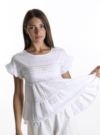 Classic lace embroidered top