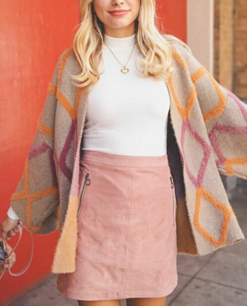 DOWNTOWN VIBES CARDIGAN