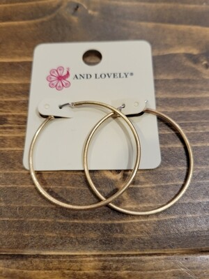 """1.5"""" GOLD HOOPS"""