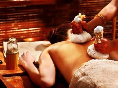 Massage Makalia (Pochon d'herbes aromatiques)