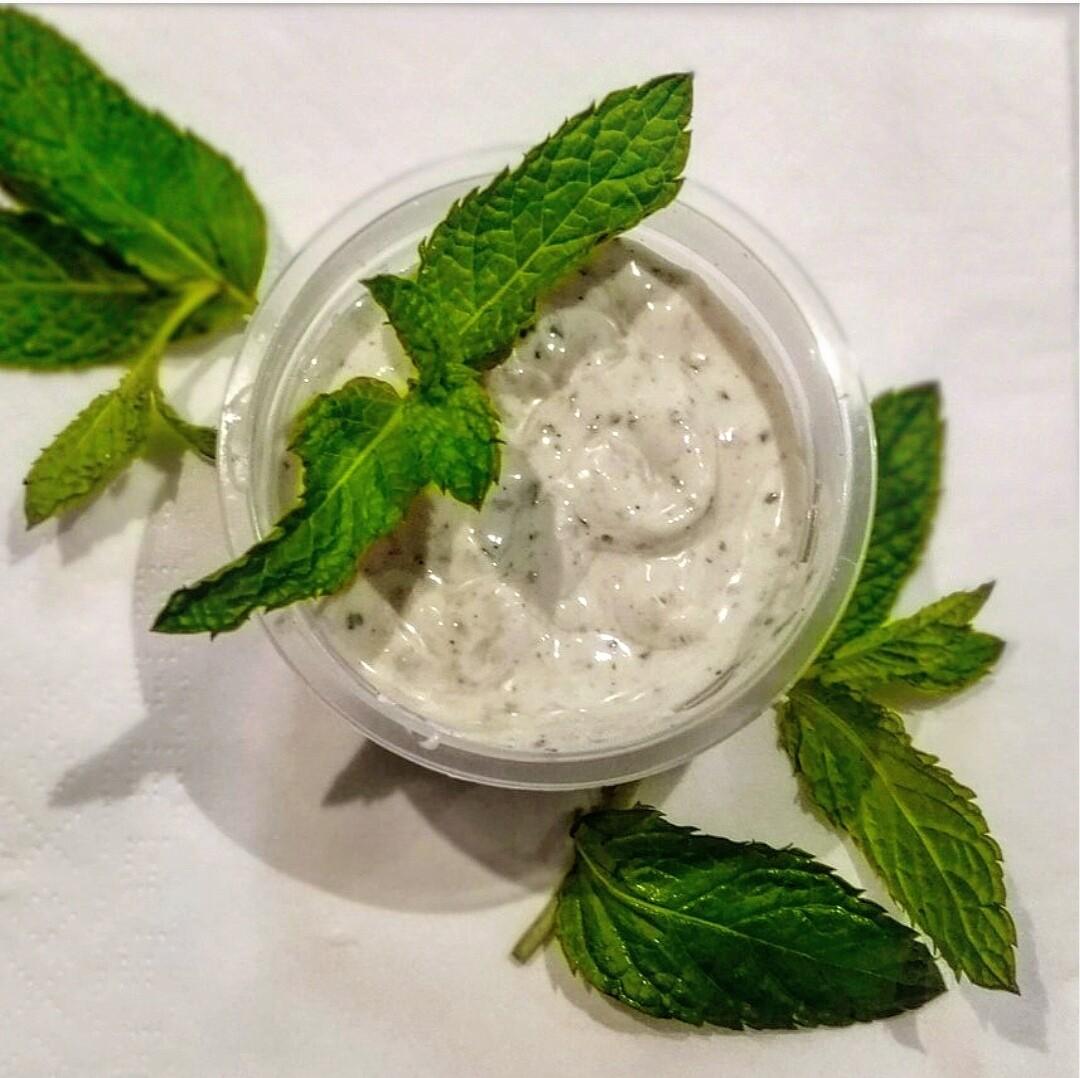 Salsa de yogur de menta