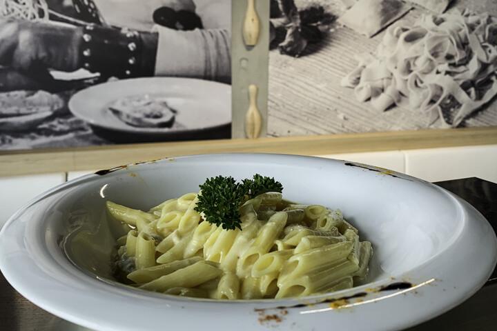 5 Fromages assortis Gorgonzola, Gruyère, Tilsit, Taleggio, Grana Padano