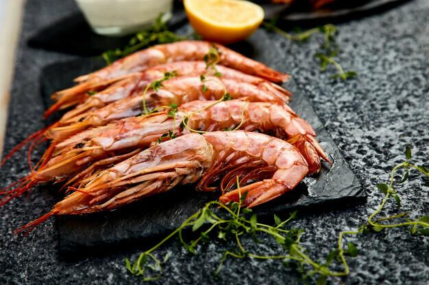Crevettes sur ardoise