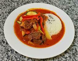 Boeuf sauté piquant (curry rouge)