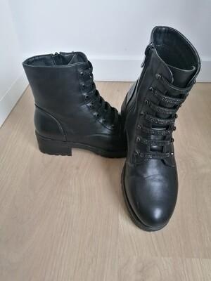 Roxy boots ~ black