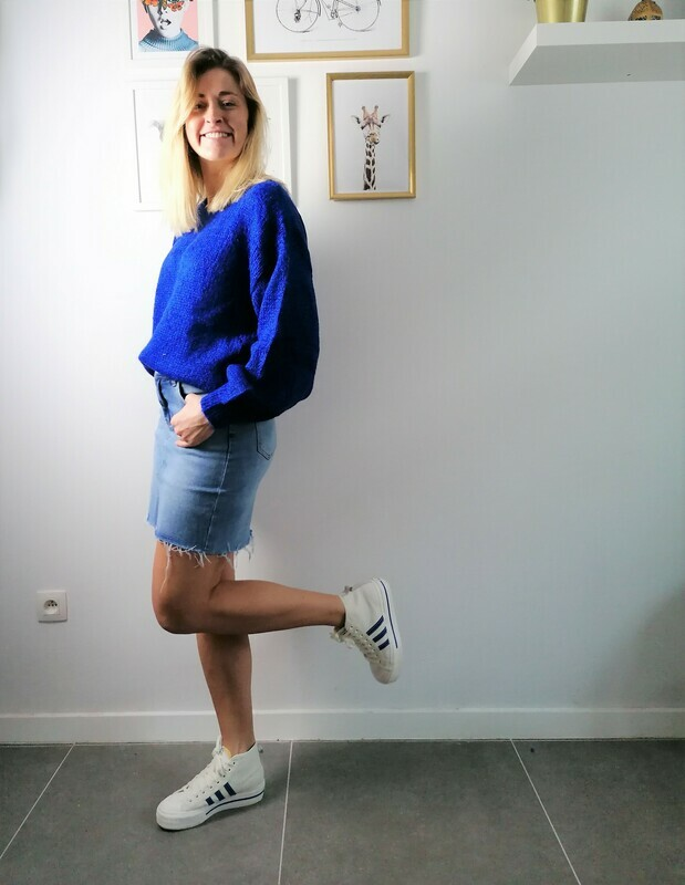 Sandy sweater ~ blue