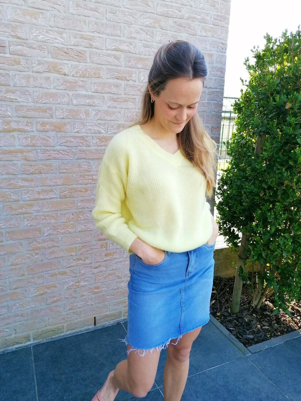 Soft sweater ~ yellow
