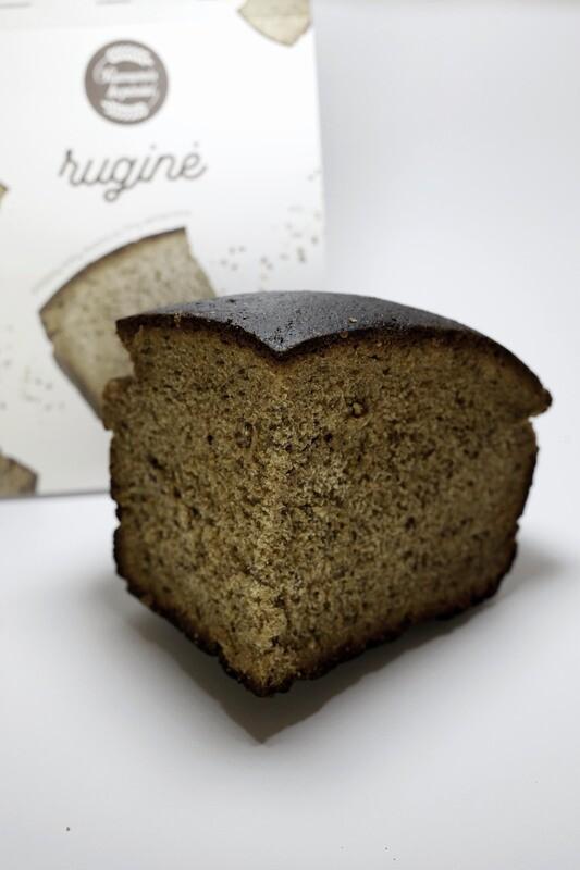 Ruginė duona su linų sėmenimis