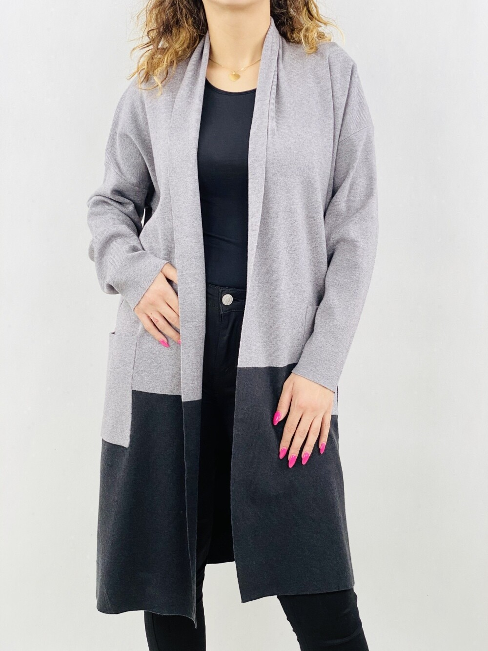 Cardigan lunga bicolore  manica col taglio a kimono