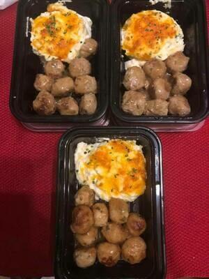 Chicken Meatballs & Gravy w/ Cauliflower Mash