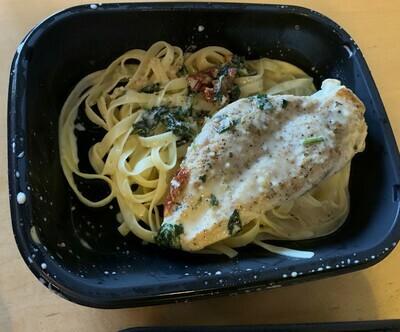 Tuscan Chicken w/ Veggie Pasta
