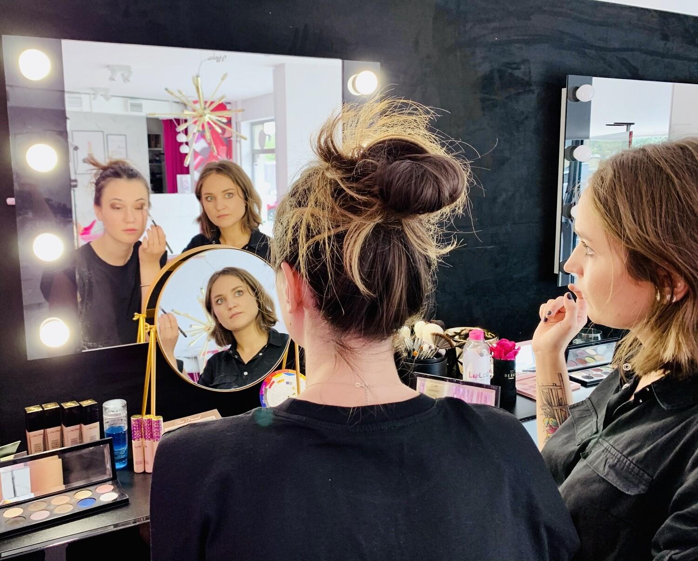 PAKIET 1: Dowolny Makijaż + Szminka Personalizowana Lip Experience (drukowana karta prezentowa)