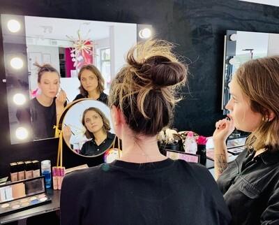 PAKIET 1: Dowolny Makijaż + Szminka Personalizowana Lip Experience (elektroniczna karta prezentowa)