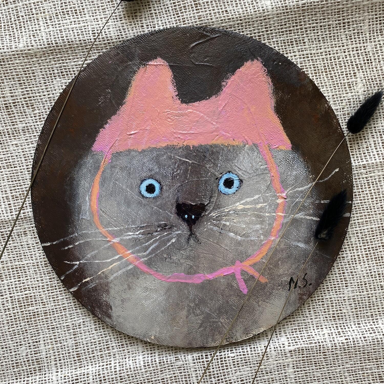 Round Cat in the Pink Hat – Original