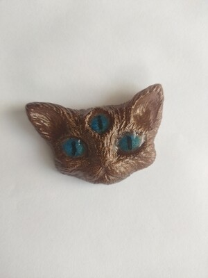 Blue eyed psy-Kitty Magnet