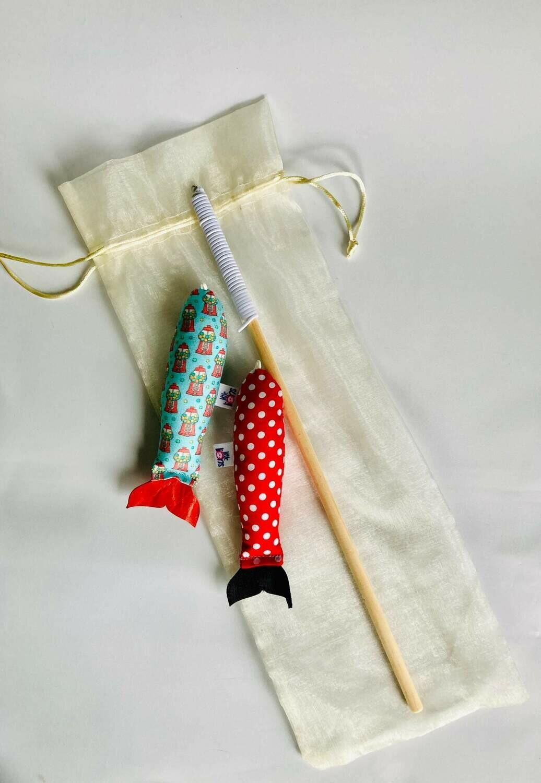 Rod and 2x Catnip Fish Gift Set