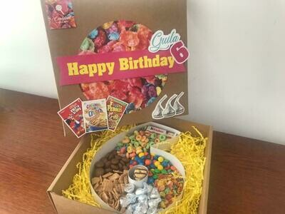 """Caja de cereales. Con letra, forma o número de 8"""""""