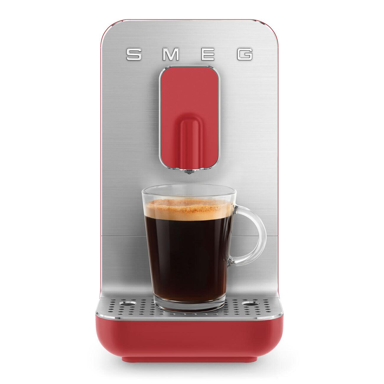 SMEG Bean to Cup automatische koffiemachine rood