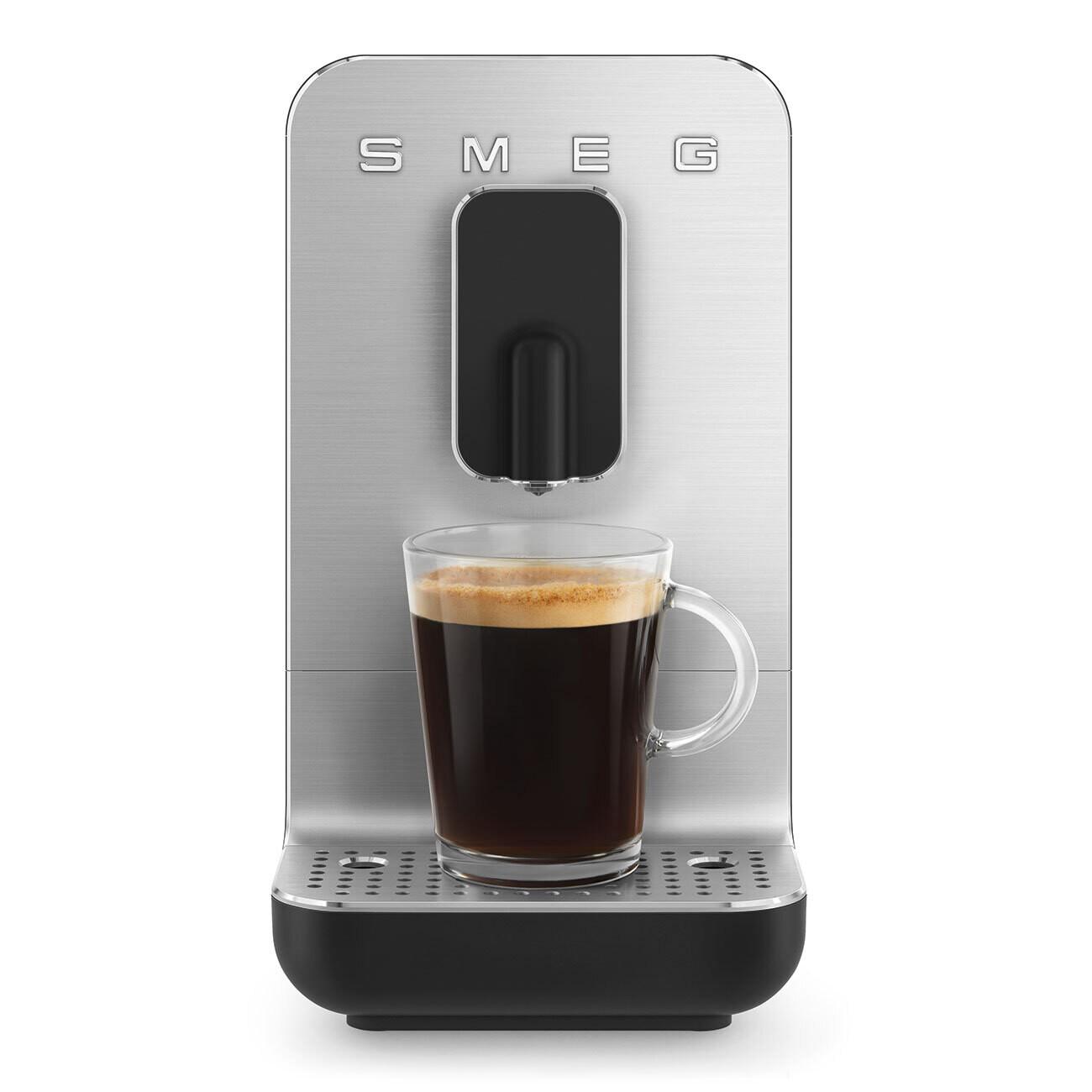 SMEG Bean to Cup automatische koffiemachine zwart
