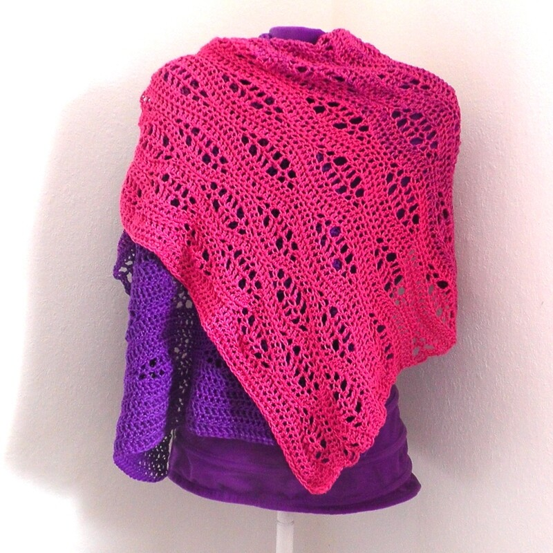 Surfer shawl crochet pattern video & PDF - Woolpedia®