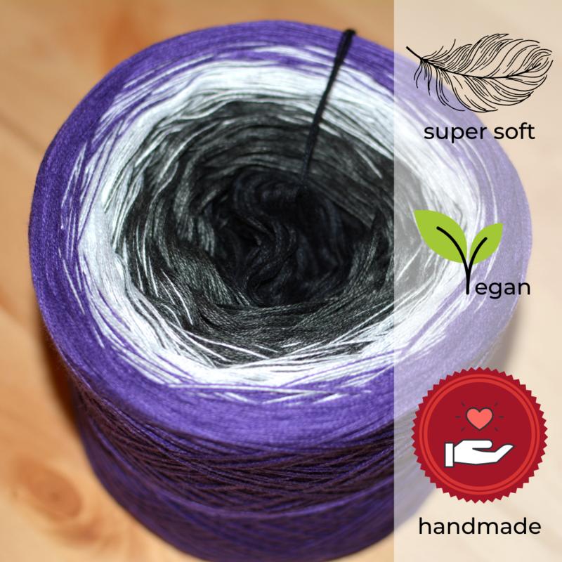 Woolpedia® Colors Moonlight III gradient yarncake (modal)