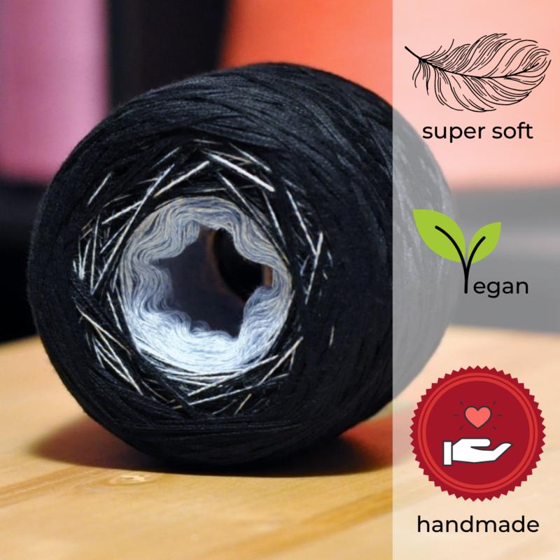 Woolpedia® Colors Cave V gradient yarncake (modal)