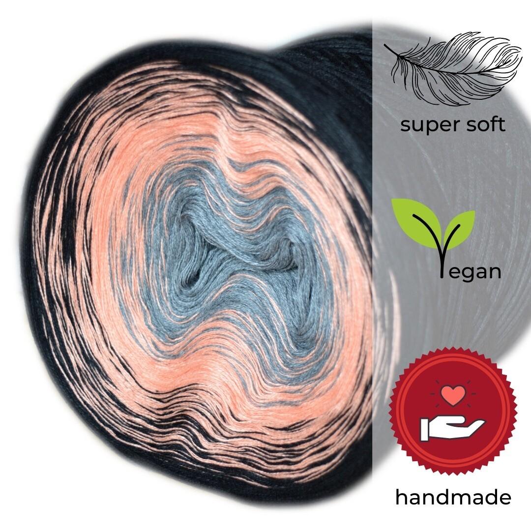 Woolpedia® Colors Steinbock gradient yarncake (modal)
