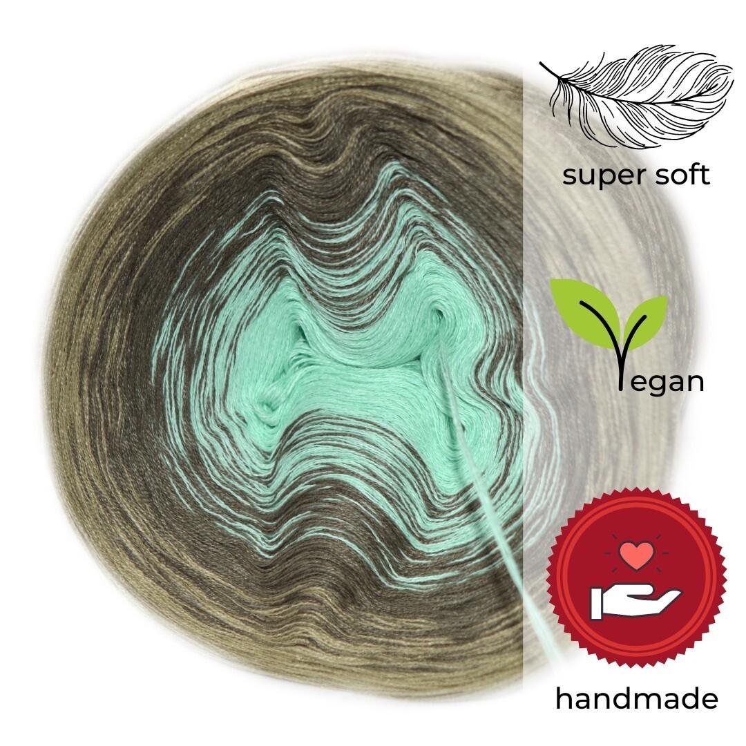 Woolpedia® Colors Frühligsanfang gradient yarncake (modal)