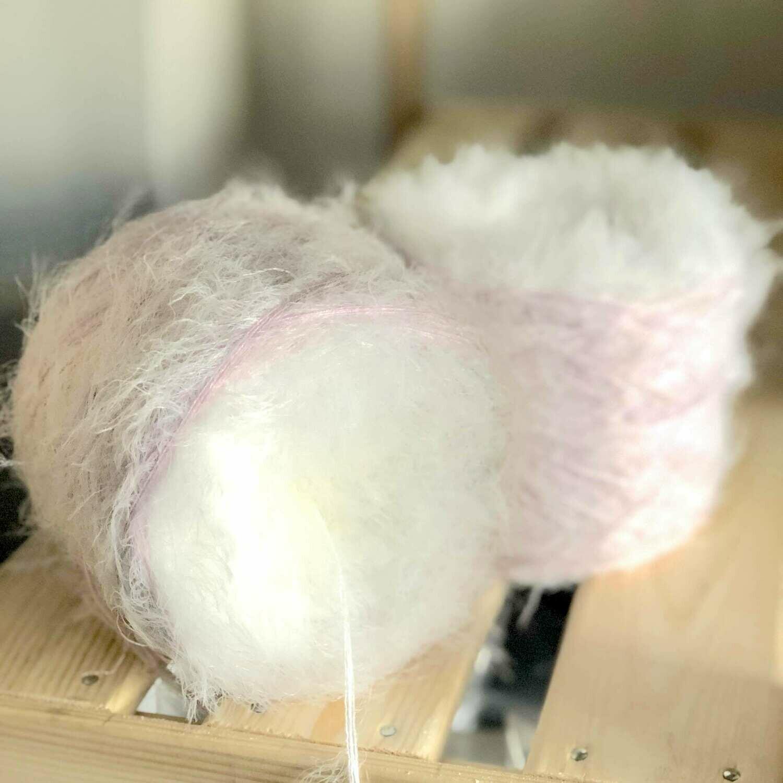 Woolpedia® Milano Max Schneehase - fluffy gradient yarncake