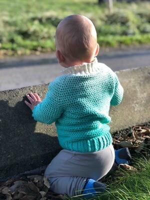Raglan sweater FLUFF crochet pattern video & PDF - Woolpedia® (all sizes)