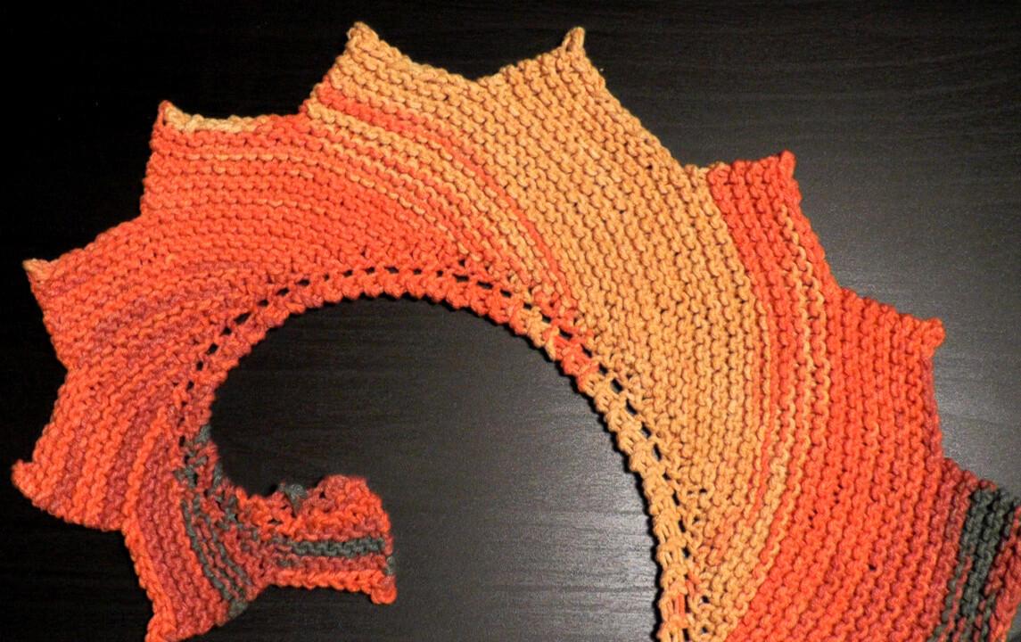 Dragon tail shawl knooking pattern video & PDF - Woolpedia®