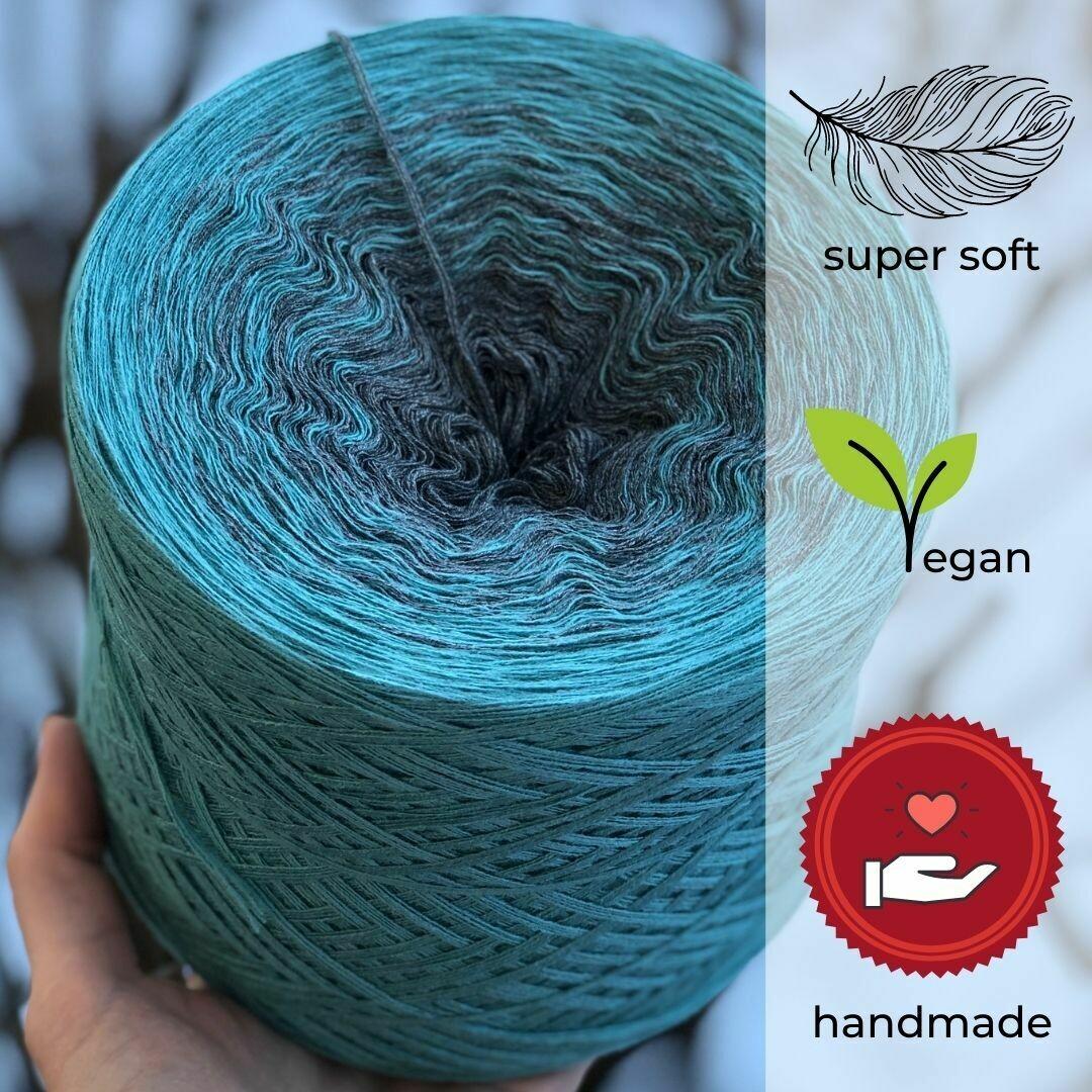 Woolpedia® Colors Drachenglas gradient yarncake (modal)