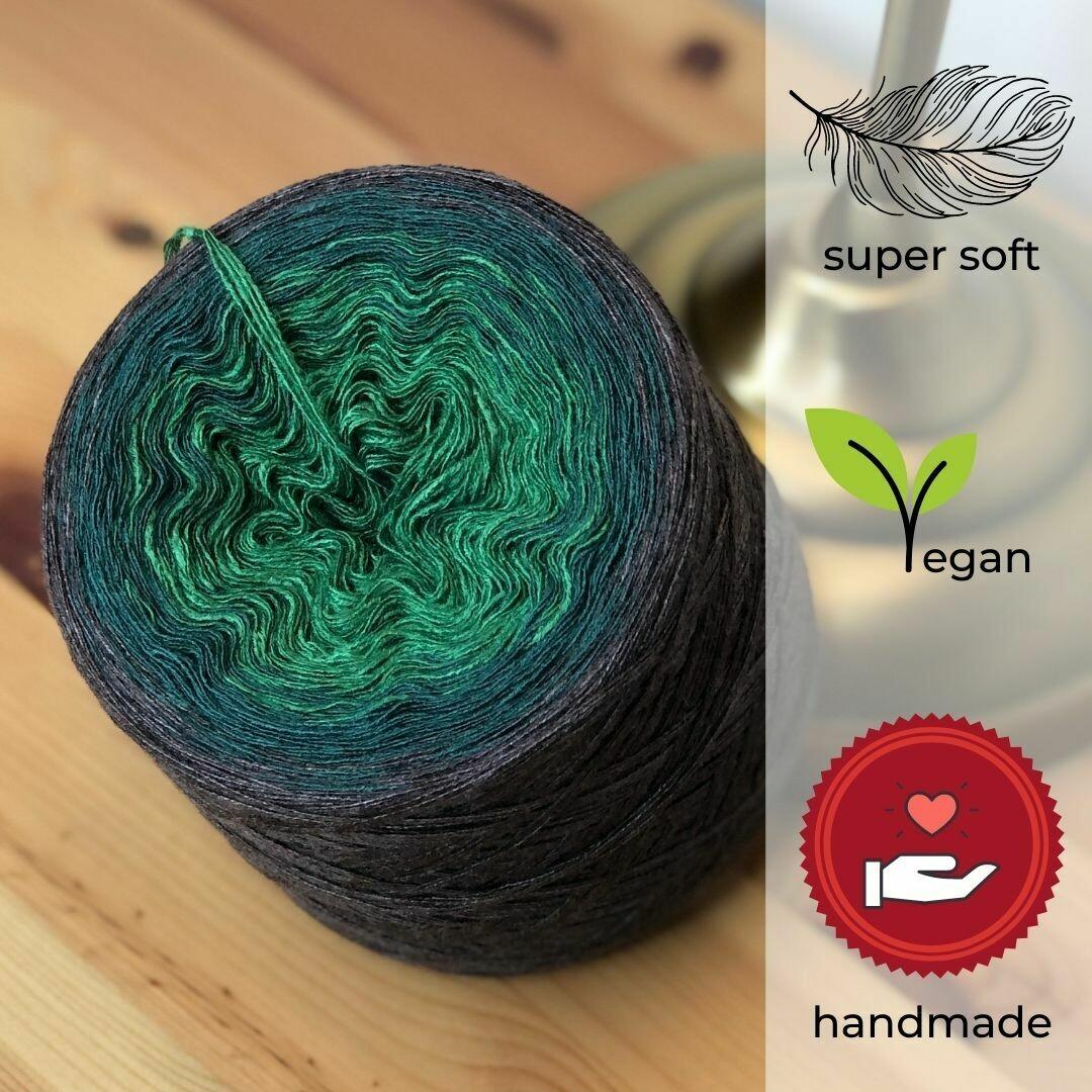 Woolpedia® Colors Tannenduft gradient yarncake (modal)