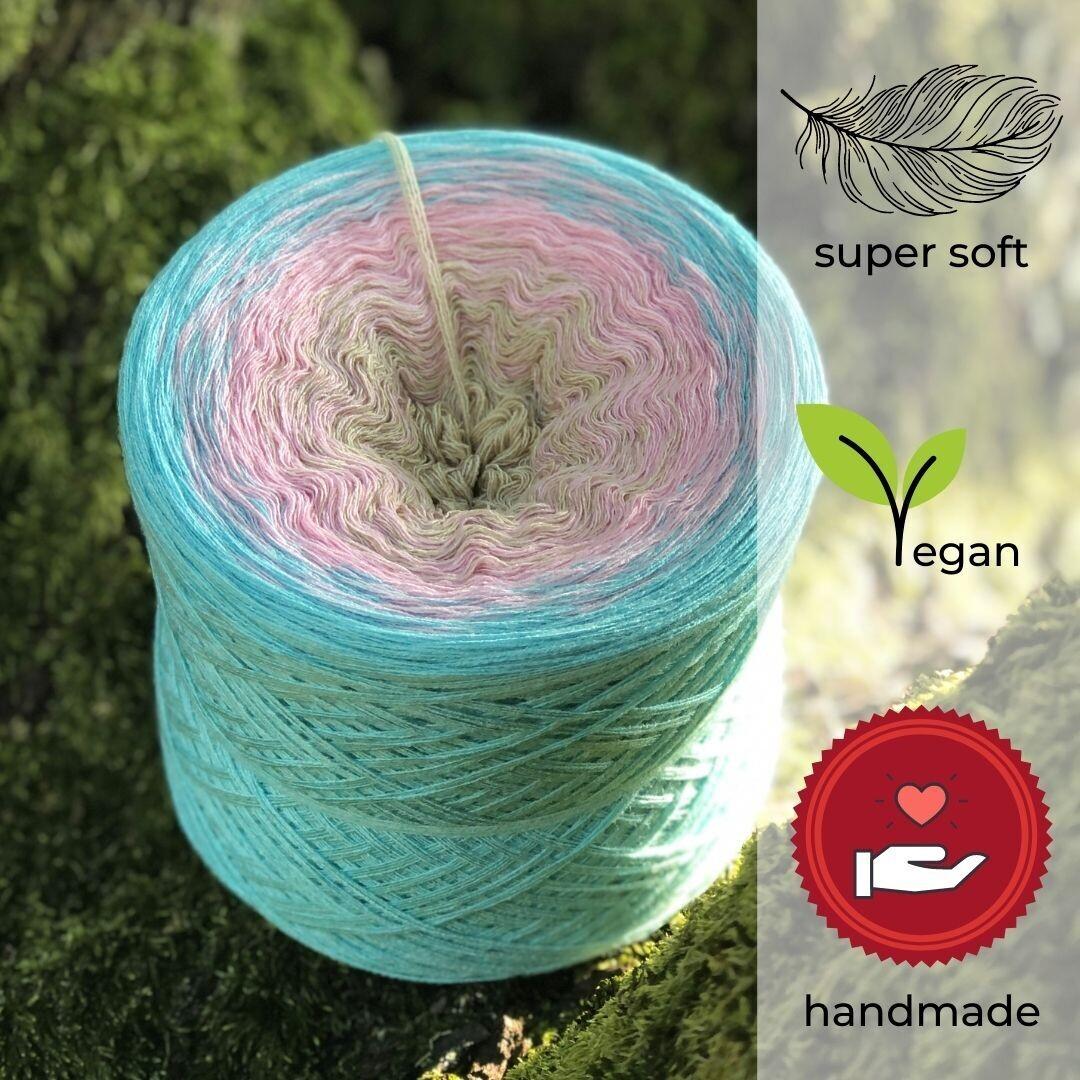 Woolpedia® Colors Candy Shop gradient yarncake (modal)
