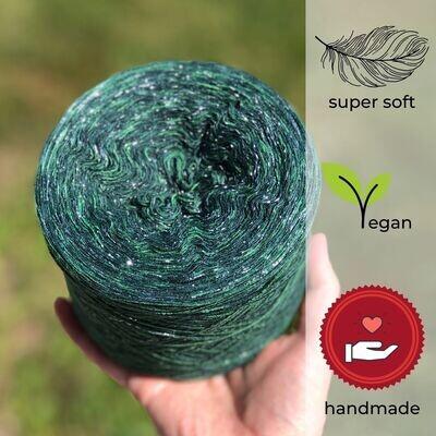 Woolpedia® Colors Tannenbaum glitter yarncake (Modal)