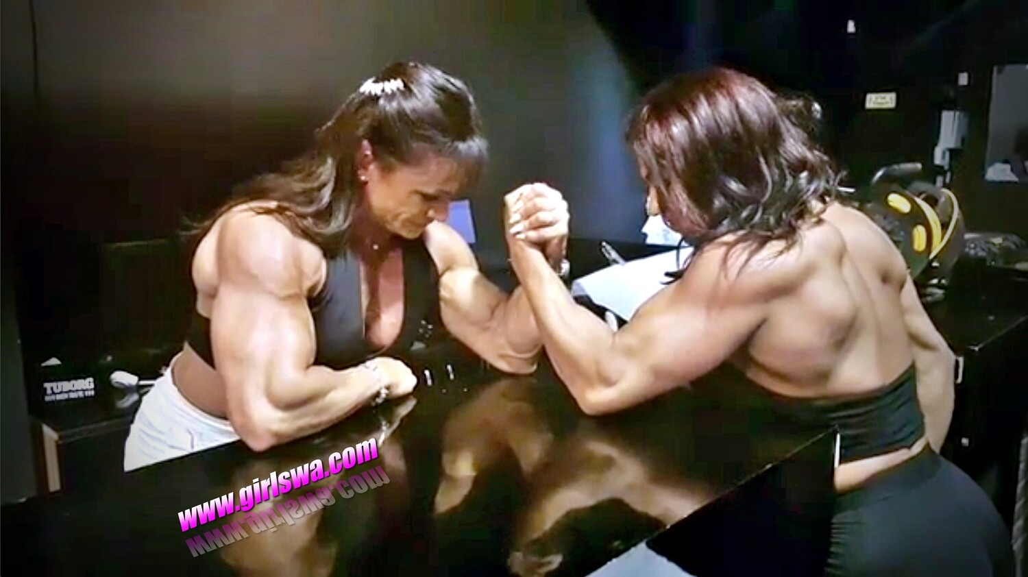 Arm Wrestling, Muscles Flexing