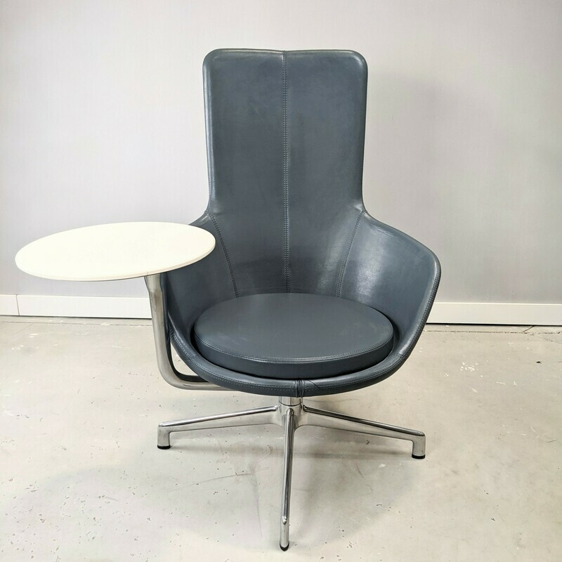 Juxta Keilhauer Lounge Leather Chair w/ table