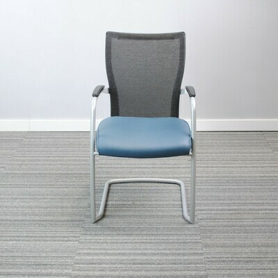 Haworth – X99 Visitor and Conference Chair
