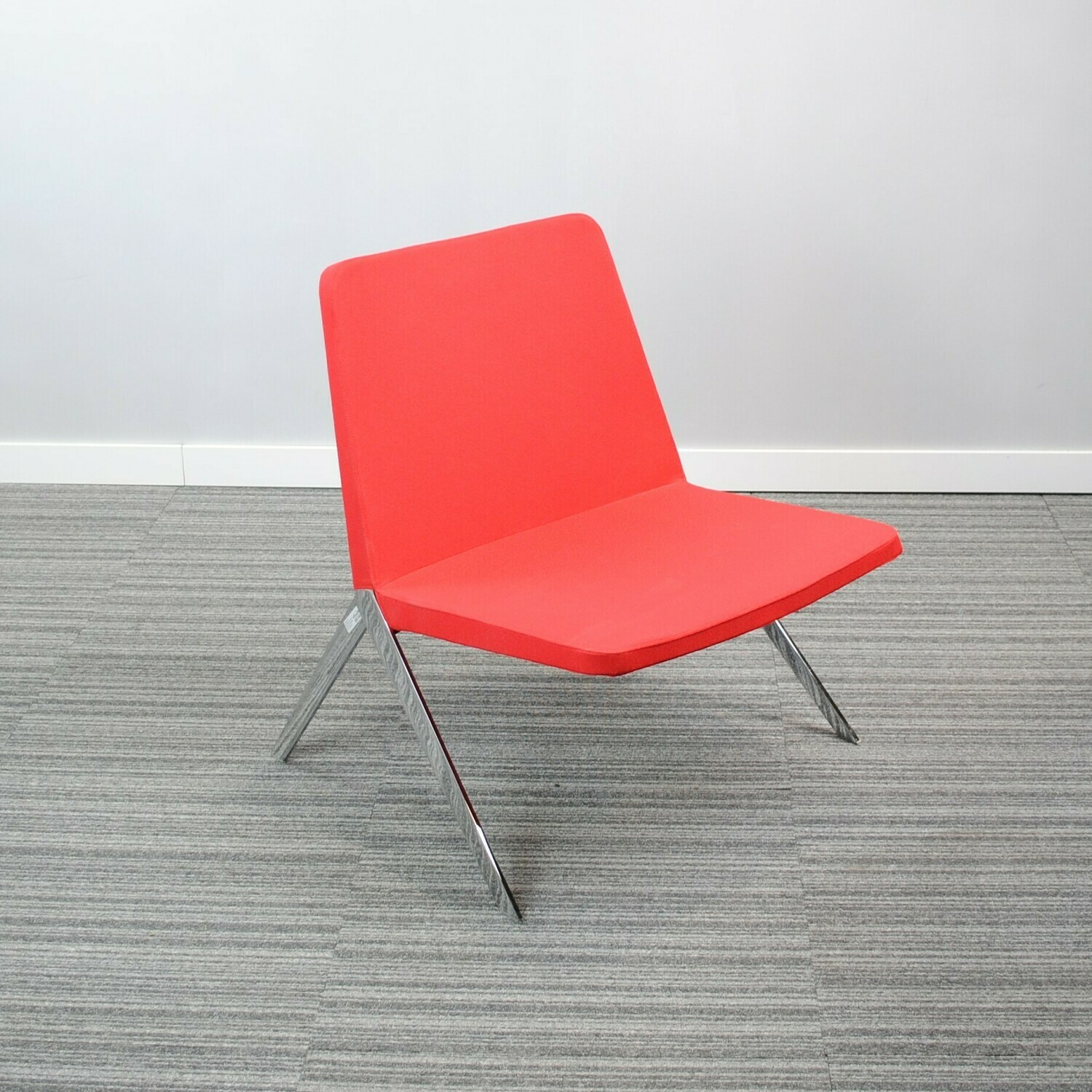 Keele Chair by Teknion Red