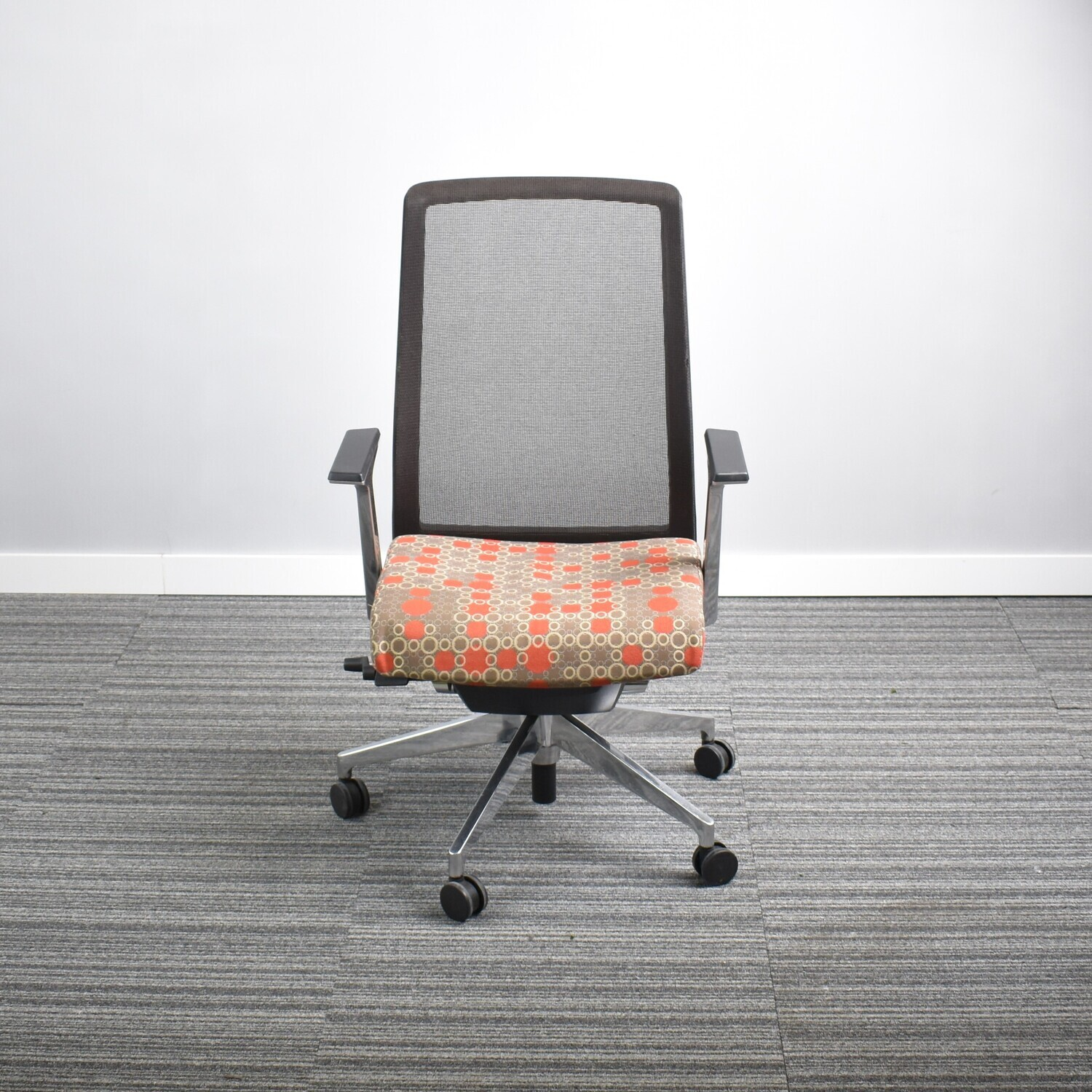 Very Conference Chair by Haworth