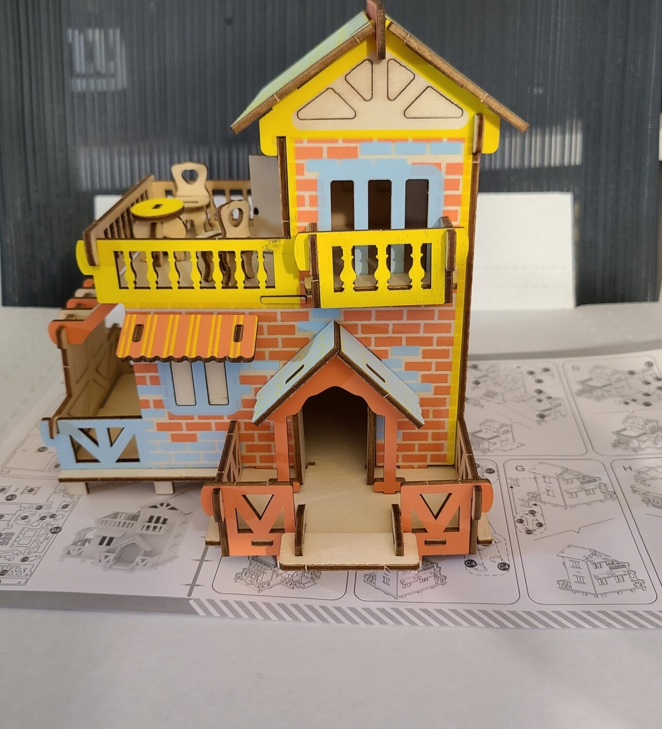 Model Country Cottage