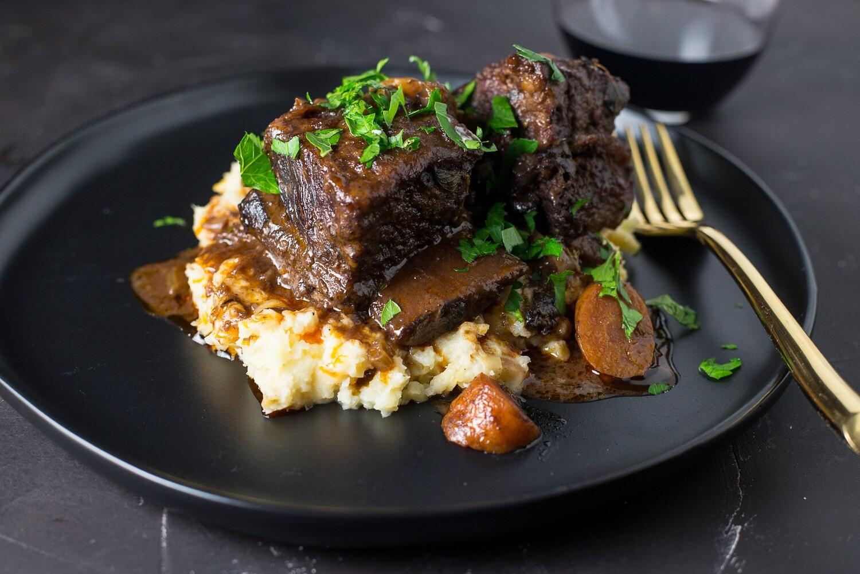 FEBRUARY 23-27 /  Wine Braised Beef Short Ribs  OR Marinated Mushroom Medley
