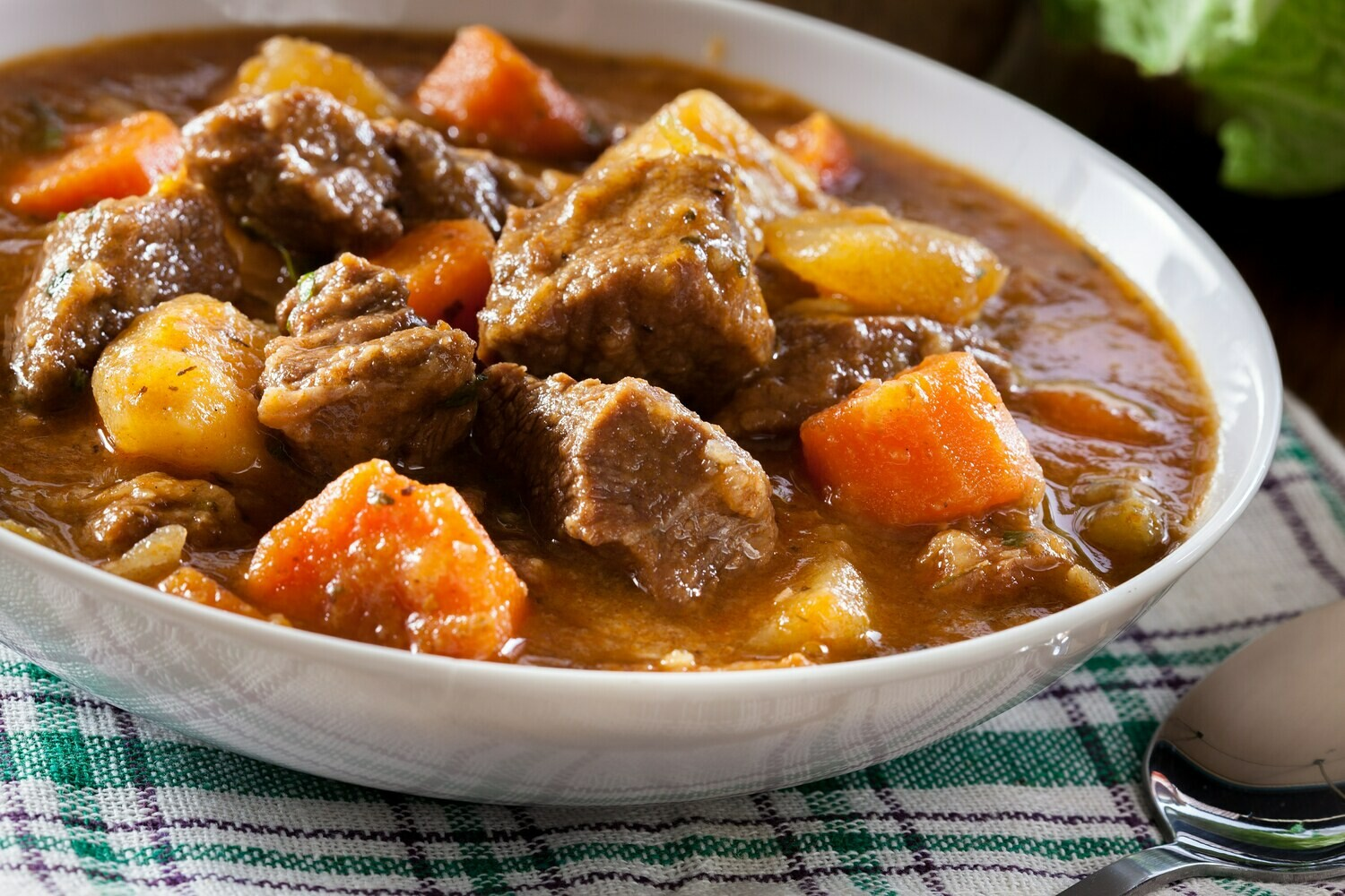 APRIL 20-APRIL 24 /  Hearty Beef Stew or Baby Portobello Vegetable Stew