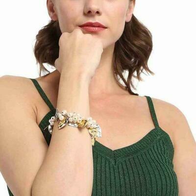 Estele  Pearly Cluster Bracelet
