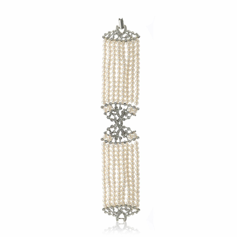 Estele White Faux Pearl Charm Bracelet With Austrian Crystals