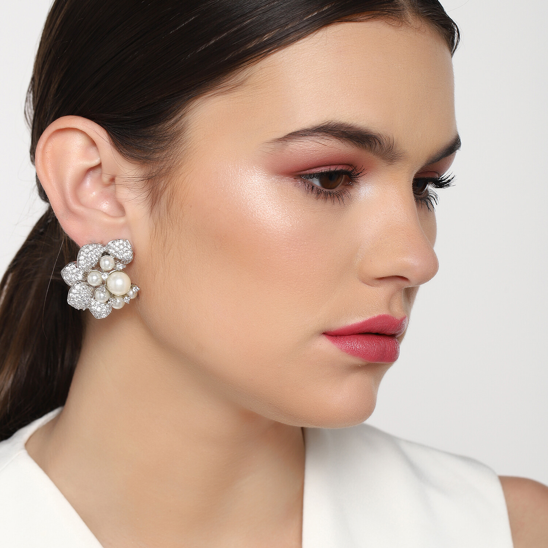 Estele Fancy AD Stone Gardenia Earring