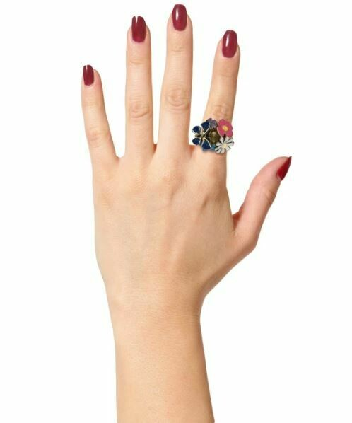 Estele Gardenia Finger Ring