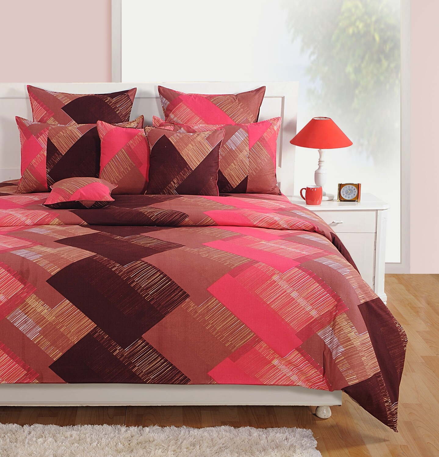 Swayam Peach Brown Geometric Pattern 180 TC Cotton Double Bedsheet with 2 Pillow Covers