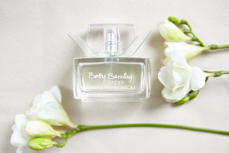 Betty Barclay Tender Blossom Eau de Toilette Natural Spray 20ml